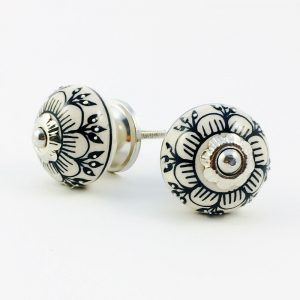 Black Detailed Spring Flower Knob