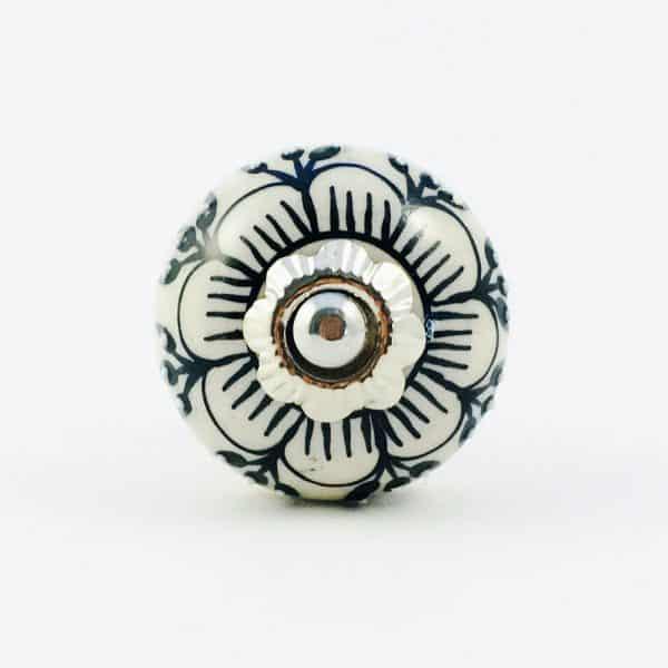 Black Detailed Spring Flower Knob
