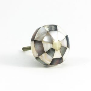 Octagon checkered knob 4 300x300 - Checkered Octagon Shell Knob