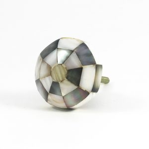Octagon checkered knob 8 300x300 - Checkered Octagon Shell Knob
