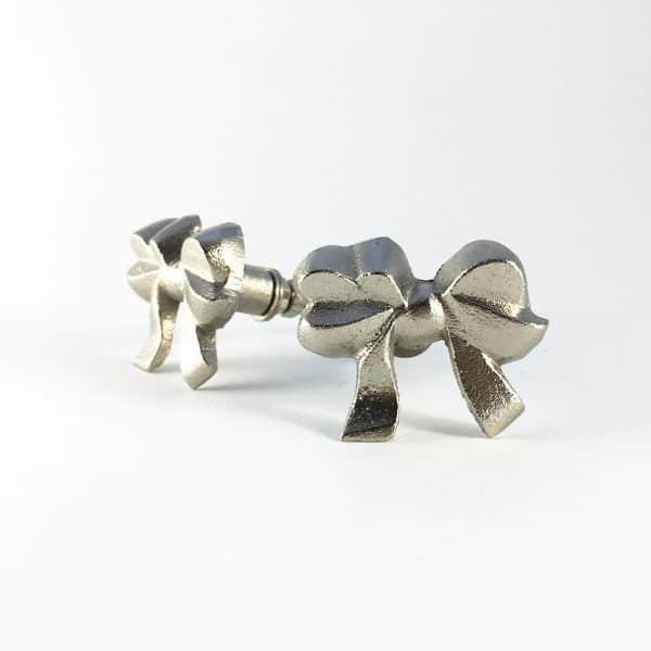 Silver iron bow knob 1 600x600 - Silver Ribbon Bow Knob