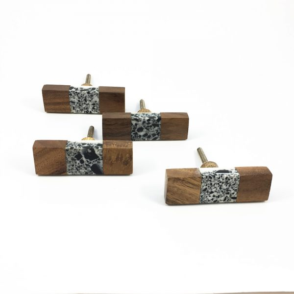 Wood and speckled resin knob 1 600x600 - Speckled Wood and Resin Pull Bar Knob