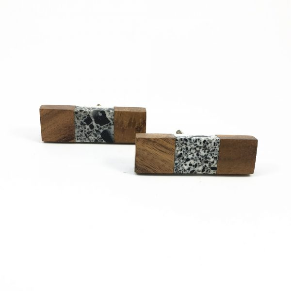 Wood and speckled resin knob 4 600x600 - Speckled Wood and Resin Pull Bar Knob