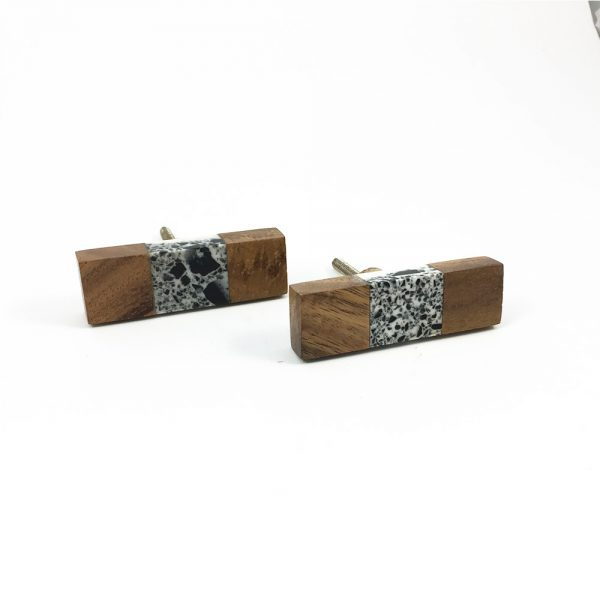 Wood and speckled resin knob 5 600x600 - Speckled Wood and Resin Pull Bar Knob
