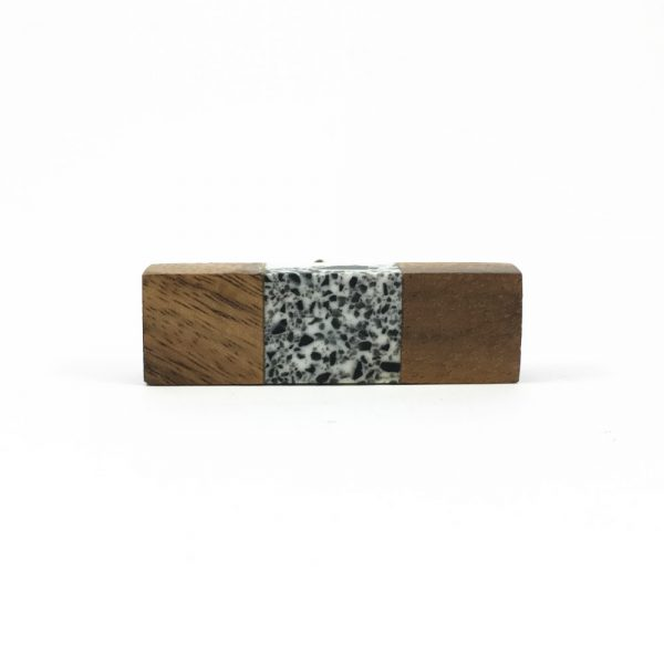 Wood and speckled resin knob 8 600x600 - Speckled Wood and Resin Pull Bar Knob