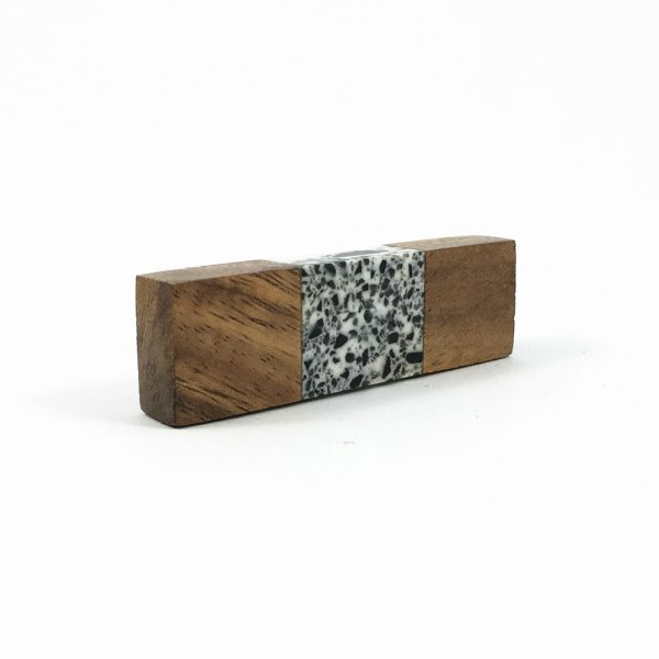 Wood and speckled resin knob 9 600x600 - Speckled Wood and Resin Pull Bar Knob