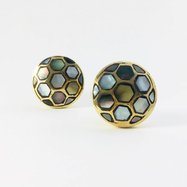 black shell honey comb brass knob 1 600x600 - Gold and Black Shell Honeycomb Knob