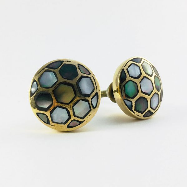 black shell honey comb brass knob 2 600x600 - Gold and Black Shell Honeycomb Knob
