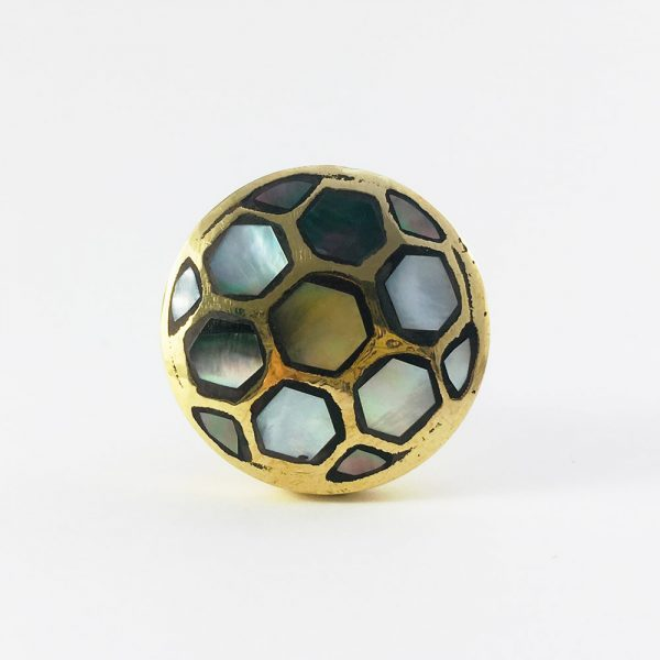 black shell honey comb brass knob 3 600x600 - Gold and Black Shell Honeycomb Knob