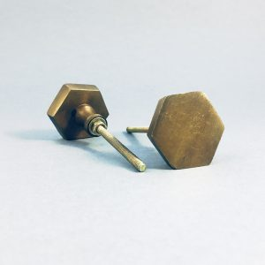 Antique gold hexagon iron knob 1 300x300 - Gold Feather Handle