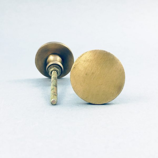 antique gold irons circle knob 3 600x600 - Antique Gold Circle Iron Knob