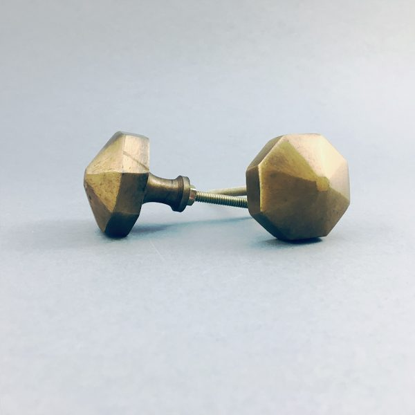 antique gold octagon prism knob 3 600x600 - Antique Gold Octagon Prism Knob