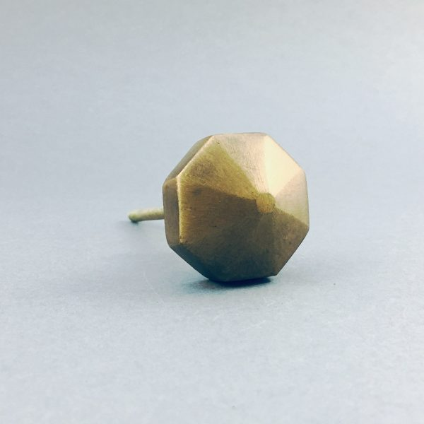 antique gold octagon prism knob 4 600x600 - Antique Gold Octagon Prism Knob