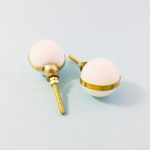 white marble with brass banding 2 300x300 - White Marble Ball with Brass Banding Knob
