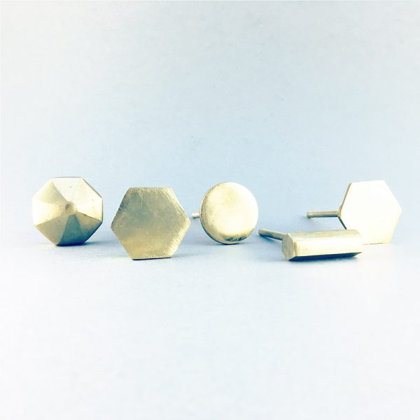 gold iron group 3 600x600 - Polished Gold Octagon Prism Knob
