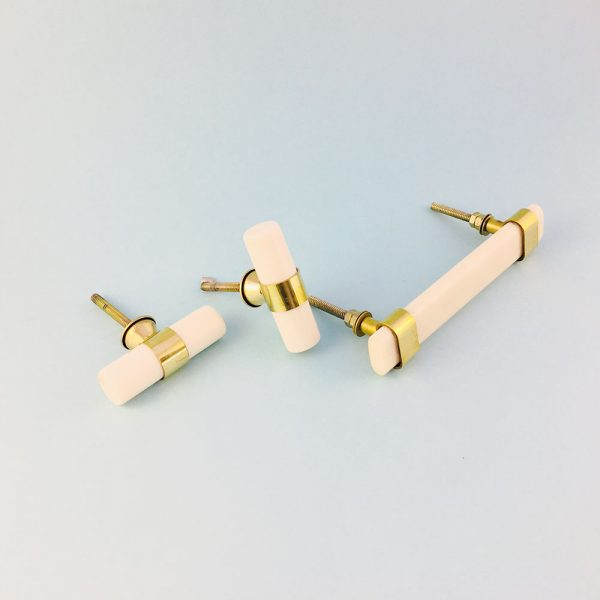 group resin and brass handles 2 600x600 - Creamy White Resin and Brass Handle