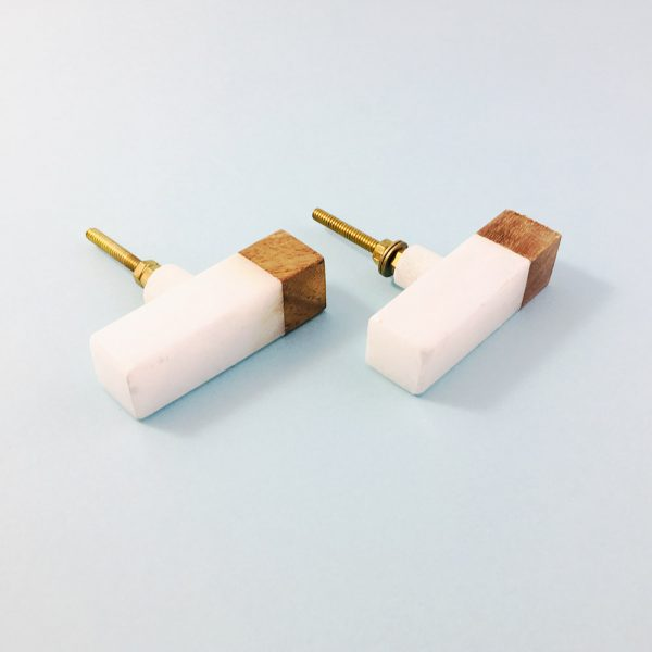 white marble and wood tipped tpull 1 600x600 - White Marble and Wood Tip Pull Bar