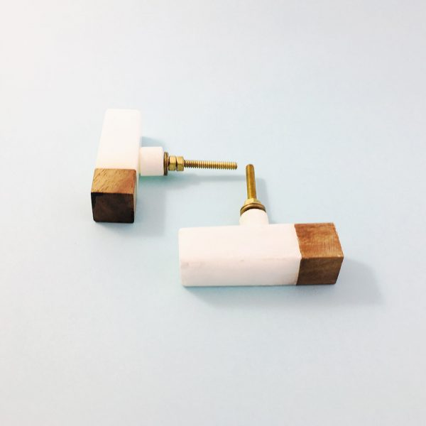white marble and wood tipped tpull 2 600x600 - White Marble and Wood Tip Pull Bar