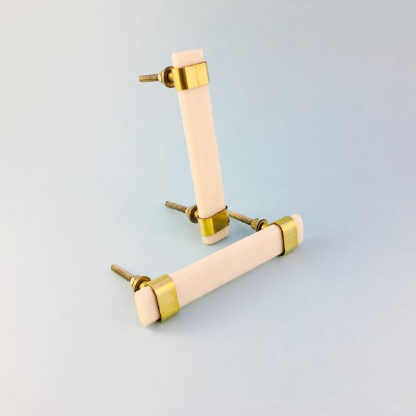 white resin and brass handle 1 600x600 - Creamy White Resin and Brass Handle