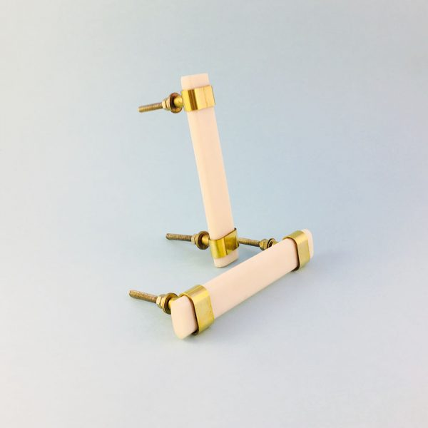 white resin and brass handle 2 600x600 - Creamy White Resin and Brass Handle