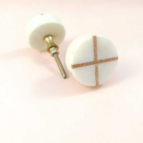 Round White Marble with wood cross knob 1 600x600 - White Round Marble and Wood Intercross Knob