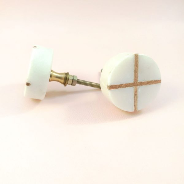 Round White Marble with wood cross knob 2 600x600 - White Round Marble and Wood Intercross Knob