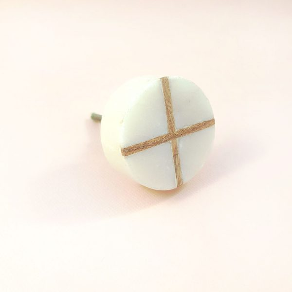 Round White Marble with wood cross knob 4 600x600 - White Round Marble and Wood Intercross Knob