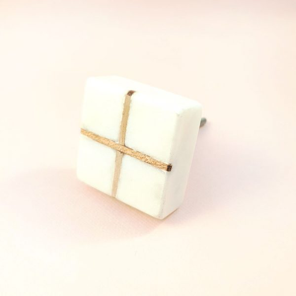 Square White Marble with wood cross knob 8 600x600 - White Square Marble and Wood Intercross Knob