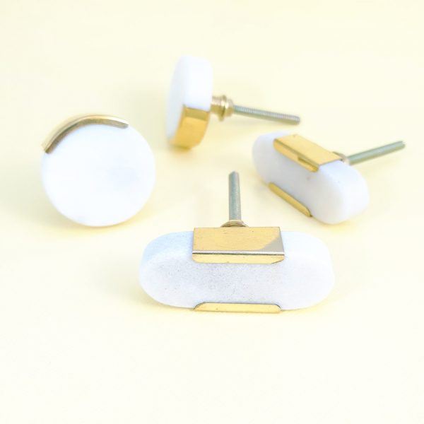 White marble with gold edge group 1 600x600 - White Oblong Knob with Brass Trim