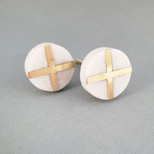 round white marble and brass cross knob 7 300x300 - White Round Marble and Brass Intercross Knob