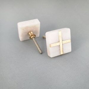 square white marble and brass cross knob 1 300x300 - White Square Marble and Brass Intercross Knob