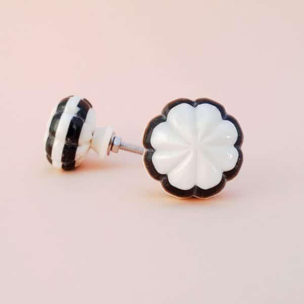 Black and white bloom knob 2 600x600 - Black and White Bloom Knob