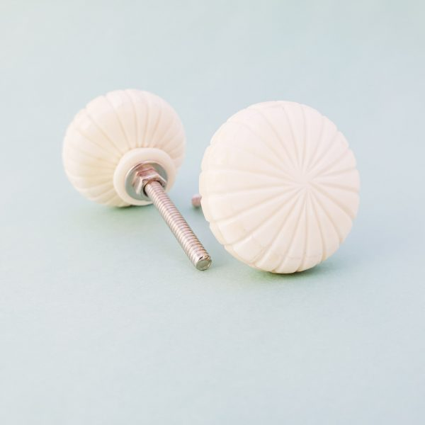 White fan carved knob 1 600x600 - Carved Fan Knob
