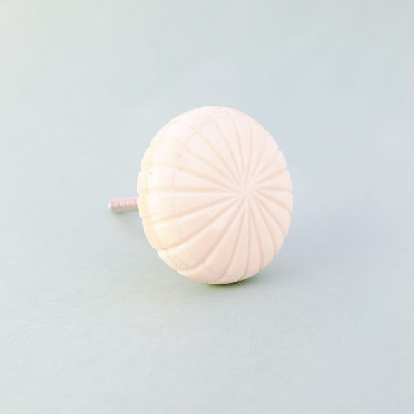 White fan carved knob 4 600x600 - Carved Fan Knob