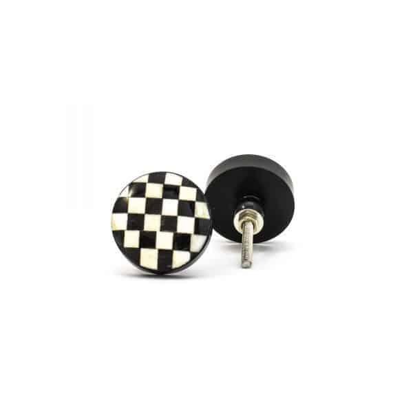 DSC 0305 Black and white checkered knob 600x600 - Black and White Checkered Knob