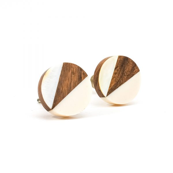 DSC 0329Trio splicer knob 600x600 - Round Cream Wood Wedge Trio Knob