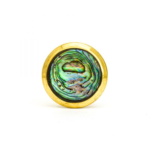 DSC 1000 Round brass 600x600 - Green Shell Brass Knob