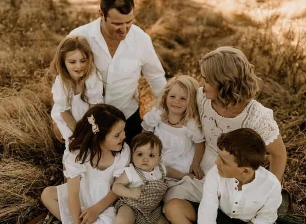 Ainsley family shot - Do.Upper Chronicles: Ainsley Sullivan