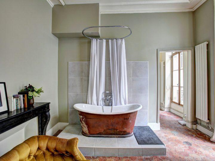 bathroom restoration 7 720x540 - Shop for Cabinet Handles, Cabinet Pulls & Wall Hooks